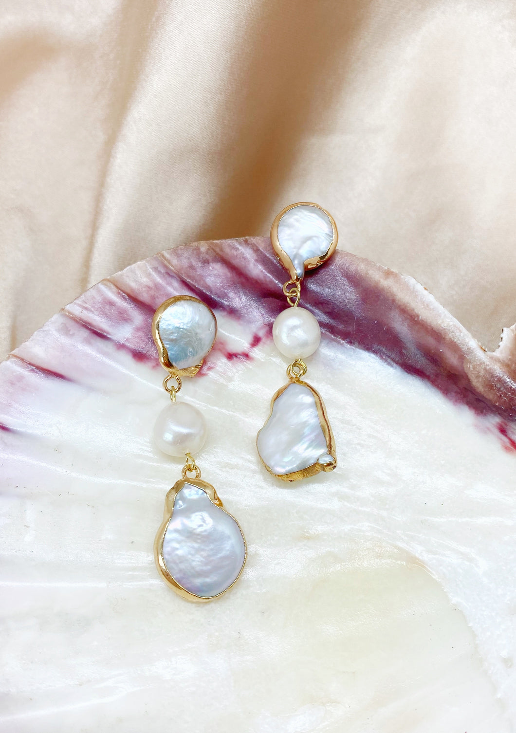 Pearl Love earrings