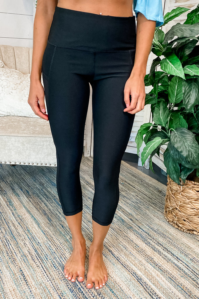 Low Rise Compression Leggings with Hidden Pocket (Black)