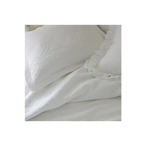 Medallion Matelassé Standard Shams - Set of 2
