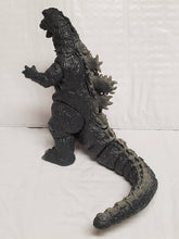 Load image into Gallery viewer, Y-MSF Gray GODZILLA 1967 SIX inch & Infant Miniya figures from Japan