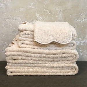 Cairo Scallop Towels in Ivory