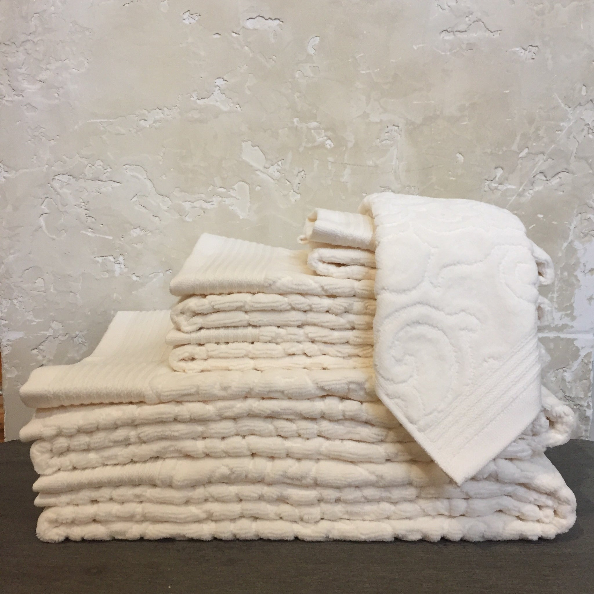 Park Avenue Towels in Ivory