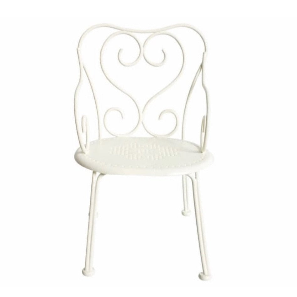 Romantic Chair in Off-White