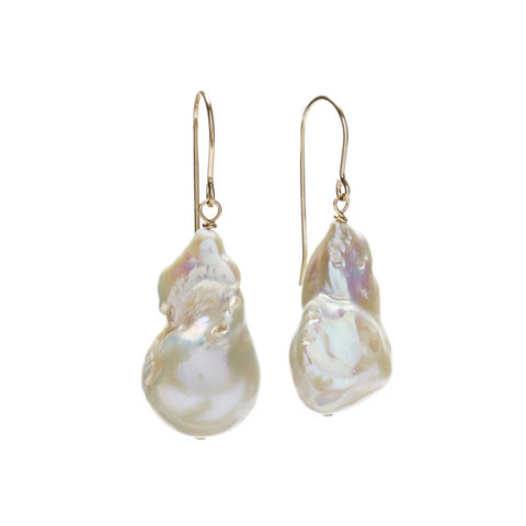 Kate Baroque Pearl Earring in White