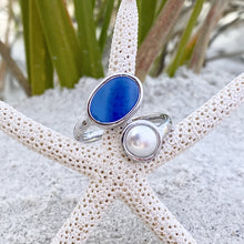 Load image into Gallery viewer, Royal Blue Sea Glass Pearl Twist Ring