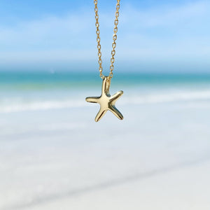 Playful Starfish Necklace in 18K Gold Vermeil