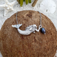 Load image into Gallery viewer, Black Pearl Mermaid Necklace