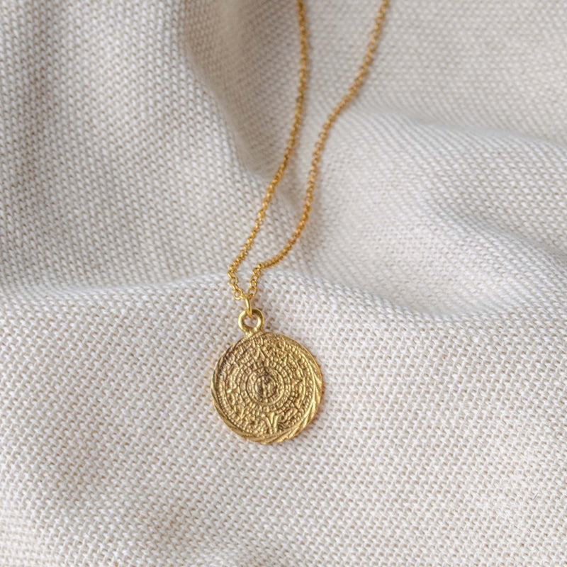 Maia Pendant Necklace Gold