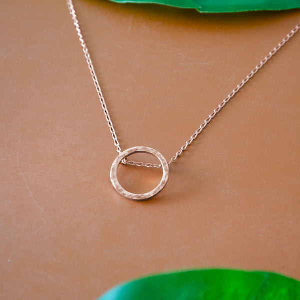 SOFÍA Rosegold Necklace Hammered