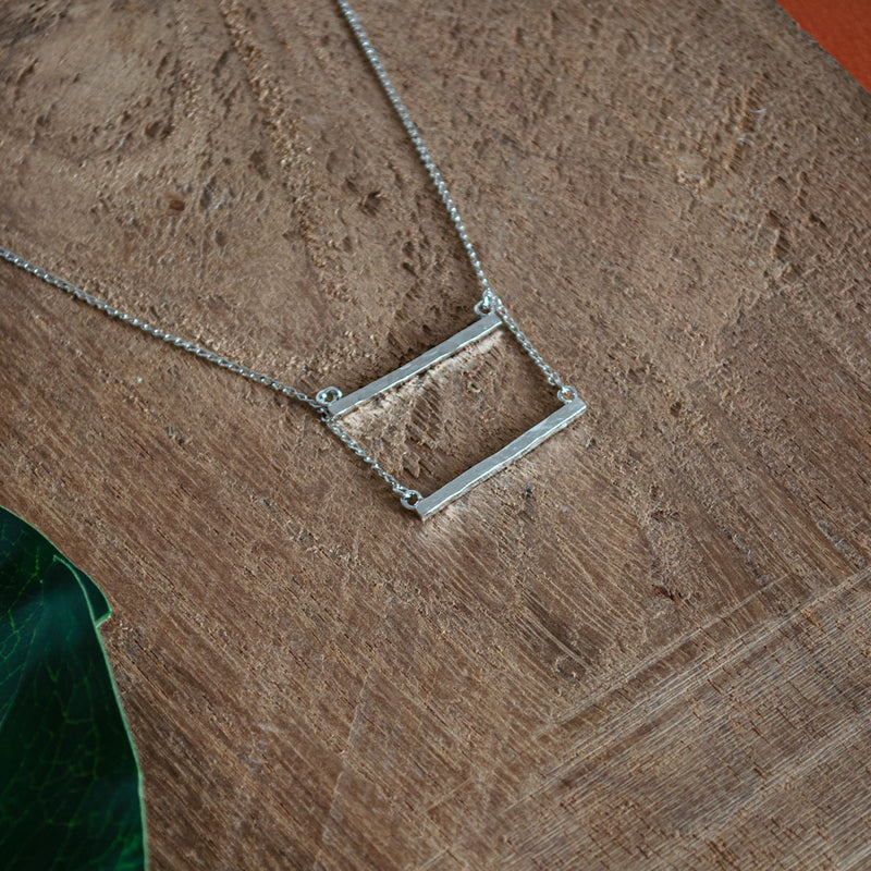 PATRICIA Silver Necklace Hammered