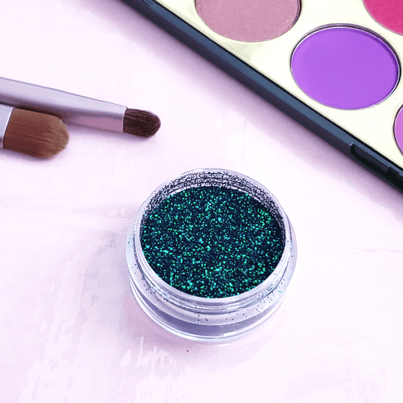 Holographic Chameleon Glitter Eyeshadow - She's A Beat Beauty