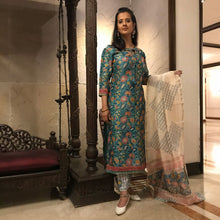 Load image into Gallery viewer, Turquoise Chanderi Silk Hand Block Printed Dabu - 3 Piece Suit Set