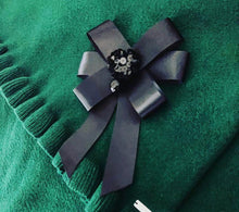 Load image into Gallery viewer, Bow Brooch Corsage - OTedd