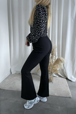 Charming HW Flared Pants - Black