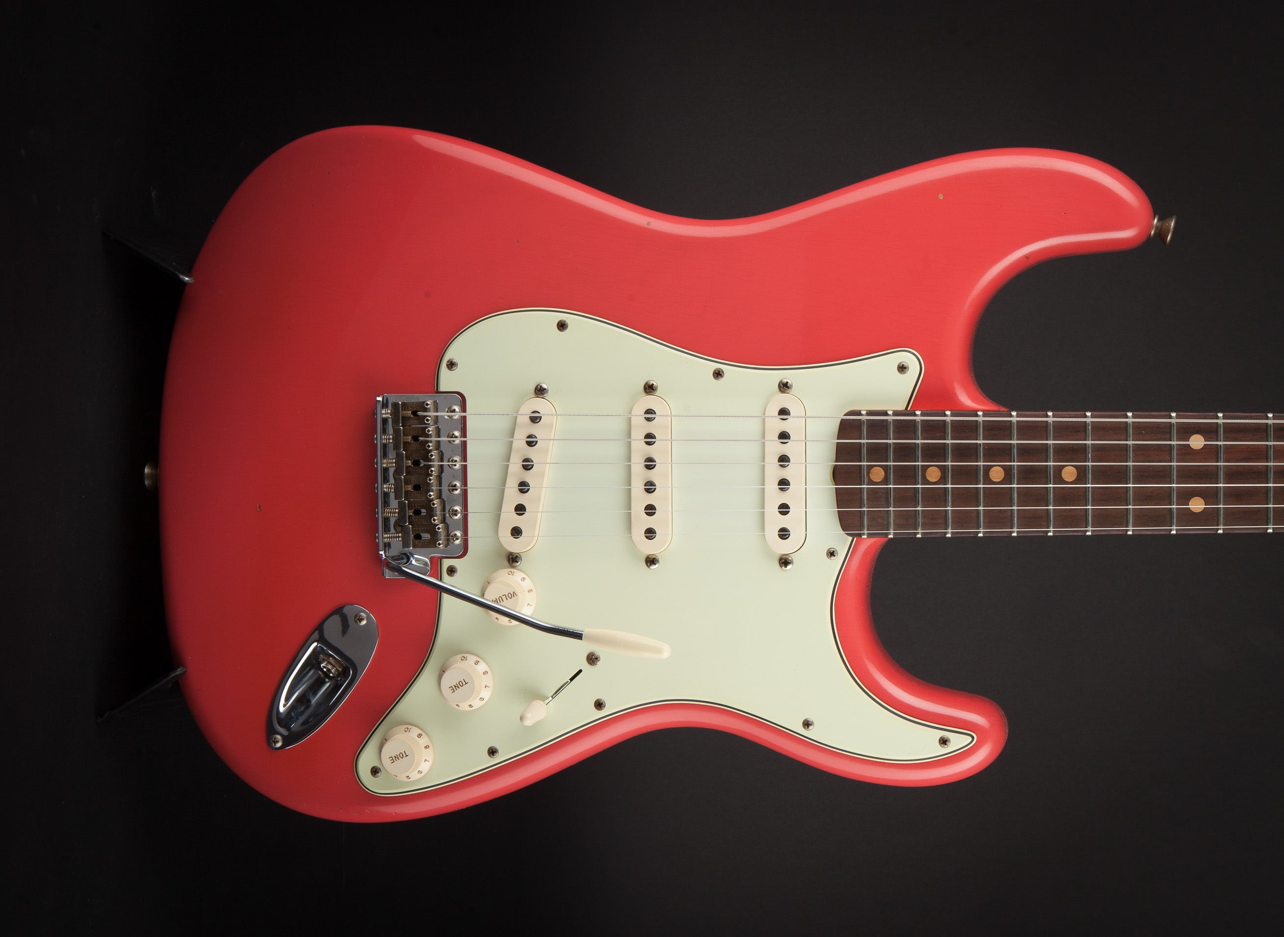 fender custom shop 60 stratocaster journeyman faded fiesta red r101716 world guitars. Black Bedroom Furniture Sets. Home Design Ideas