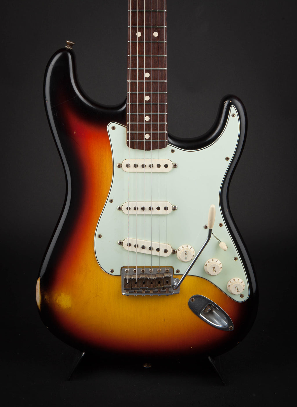 Fender Custom Shop: 63 Strat Relic 3 Tone Sunburst #R53571