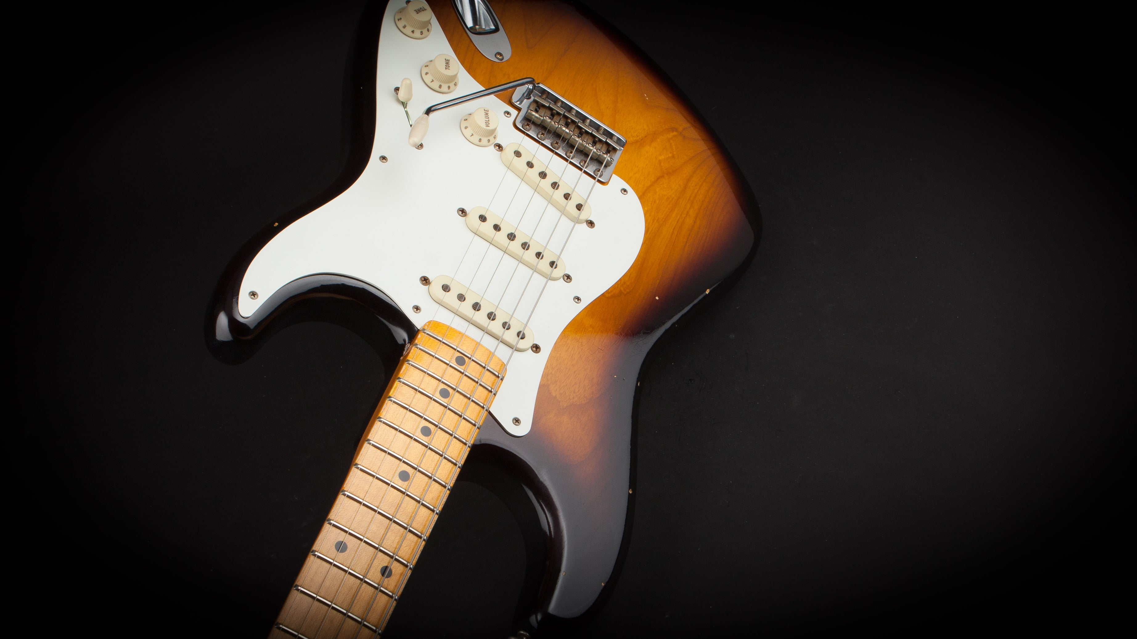 Fender Custom Shop: 58 Stratocaster Journeyman 2 Tone Sunburst #R86901