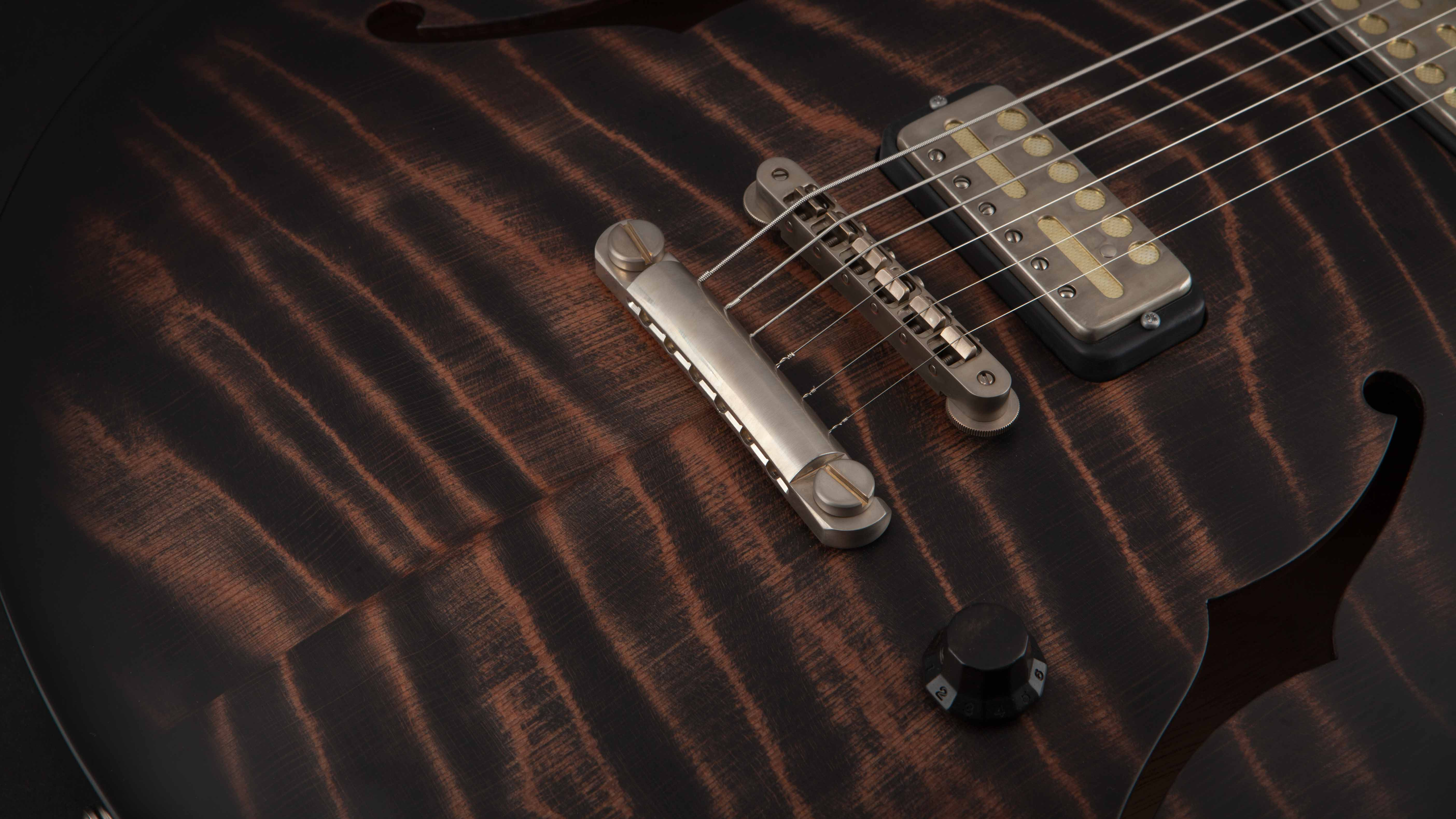 Nik Huber Rietbergen Redwood Charcoal Burst #62392
