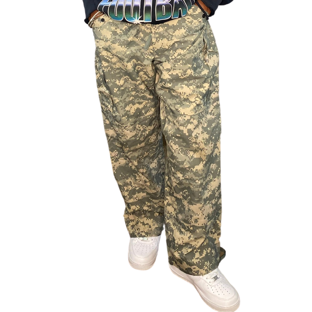 No Limit Camo Print Pants