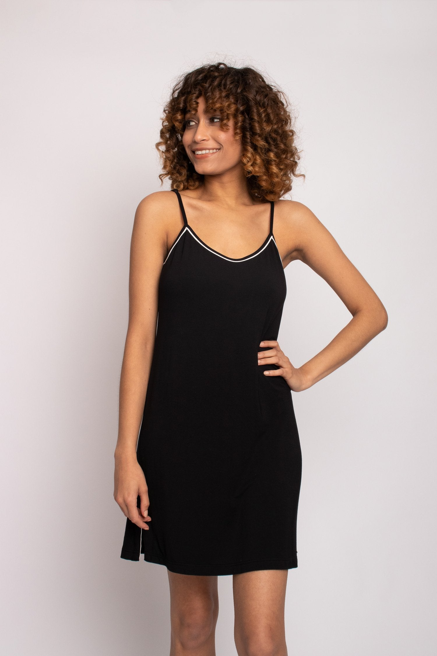 Thermoregulating Bamboo Chemise in Black