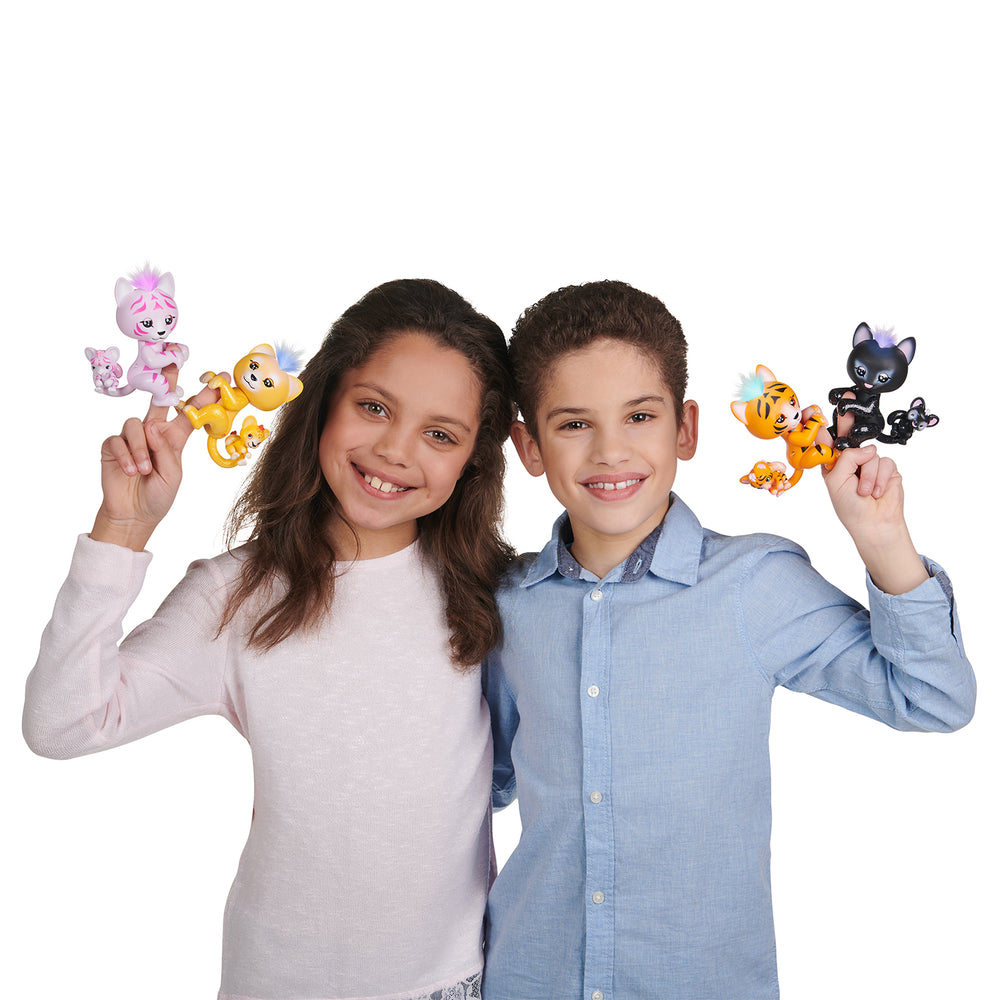 Fingerlings Light-Up Baby Tiger and Mini - Tilly and Tammy