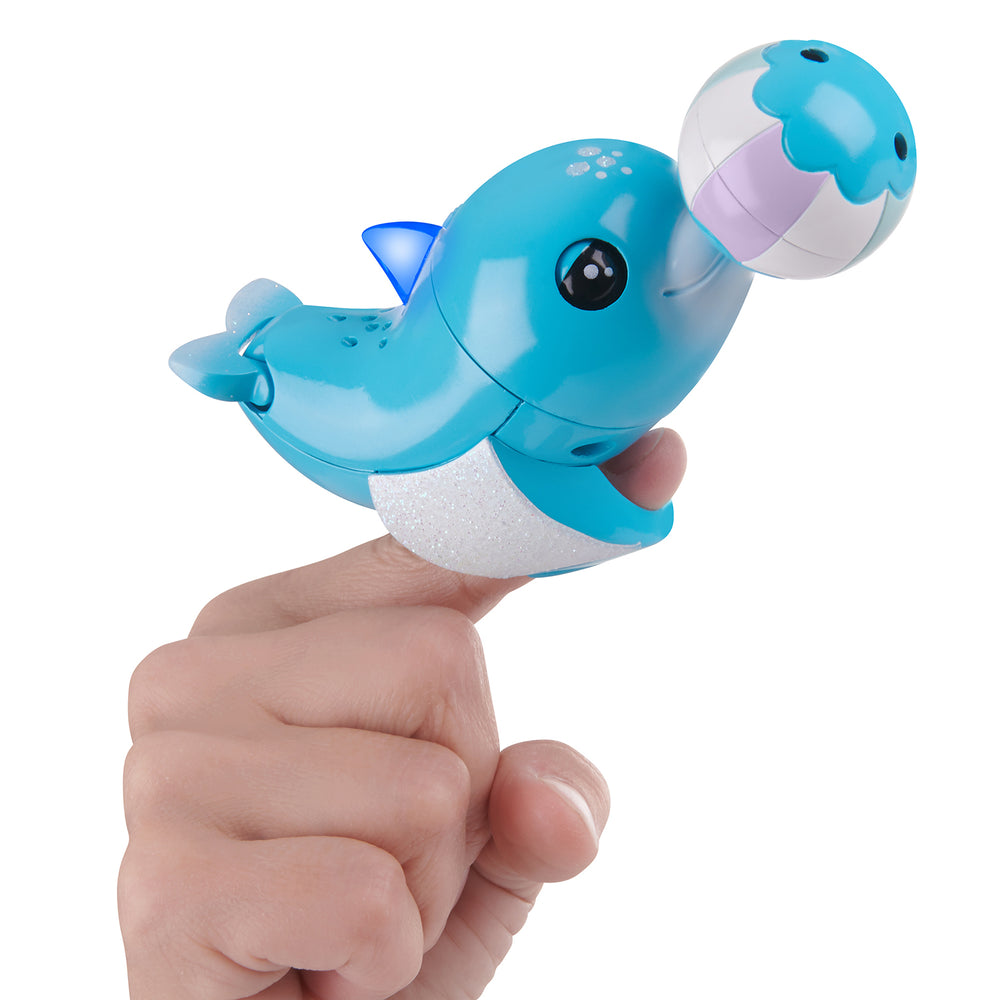 Fingerlings Baby Light-up Dolphin - Blues (Blue)