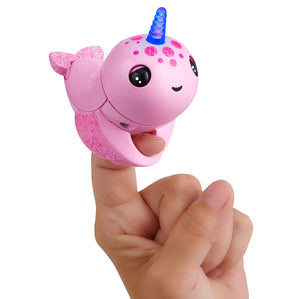 Fingerlings Light Up Narwhal - Rachel (Pink)