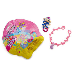 Fingerlings Minis Series 3 - Blind foil bag - 1 figure plus bonus bracelet & charm