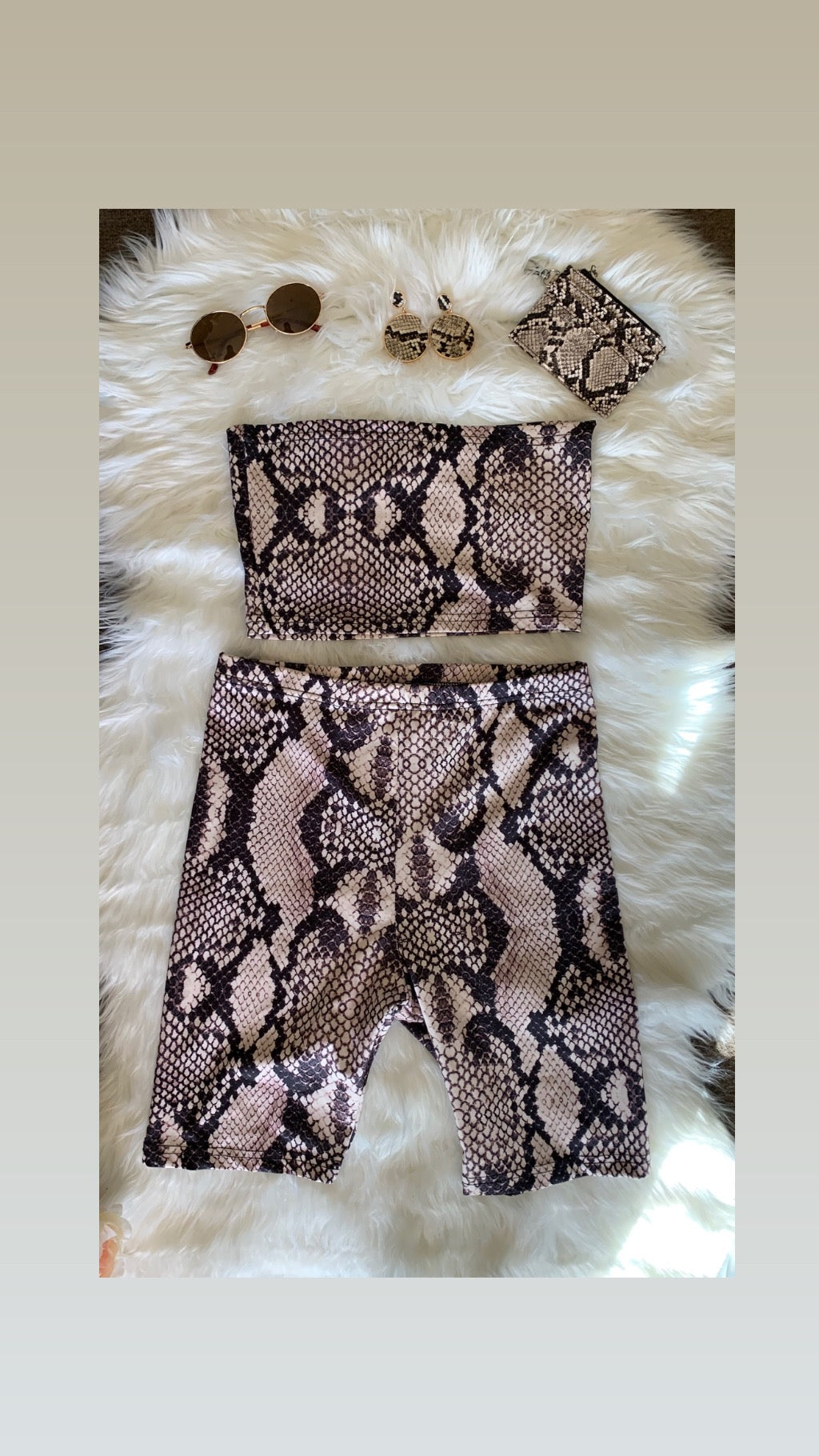 Cobra Crop + Shorts - Two Piece Set