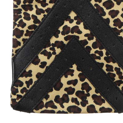 Women's Chevron Spandex Gloves Gloves in Leopard Chevron Cuff Detail