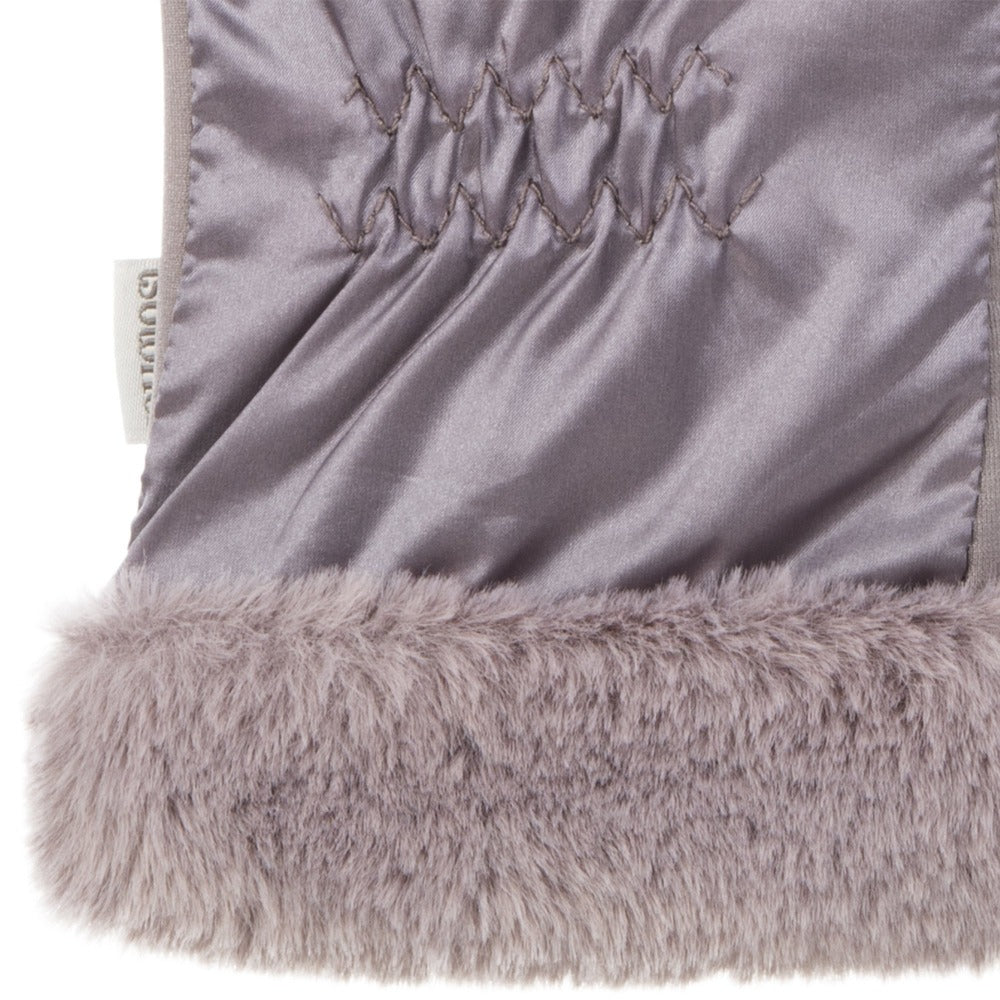 Women's Quilted Gloves with Faux Fur Cuff in Dusty Lavender Cuff Detail