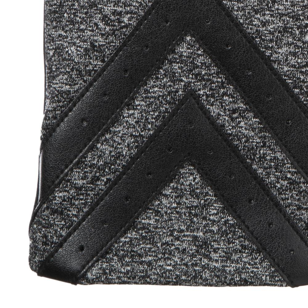 Women's Heritage Chevron Spandex Gloves in Black/Charcoal close up on chevron detail