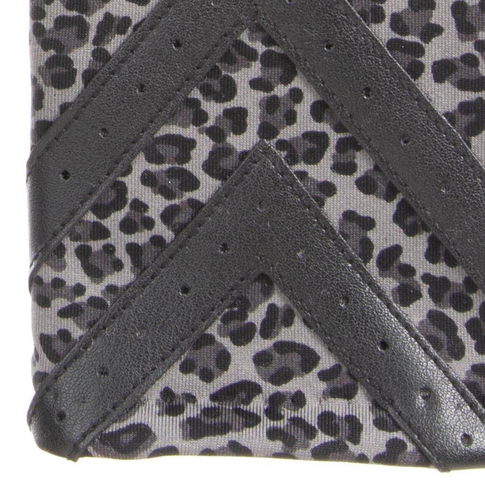 Women's Heritage Chevron Spandex Gloves in Grey Leopard Print close up on chevron detail