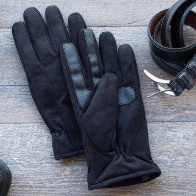 Men's Microfiber Gloves with Back Draws Lifestyle Image