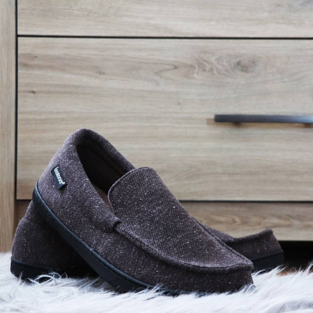 Men's Heather Knit Preston Moccasin Slippers in Dark Charcoal Heather (Grey) Lifestyle Image