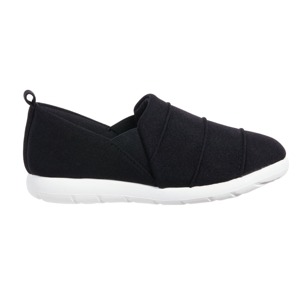 Zenz Women's Serenity Slip-On in Black Profile