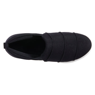 Zenz Women's Serenity Slip-On in Black Top View