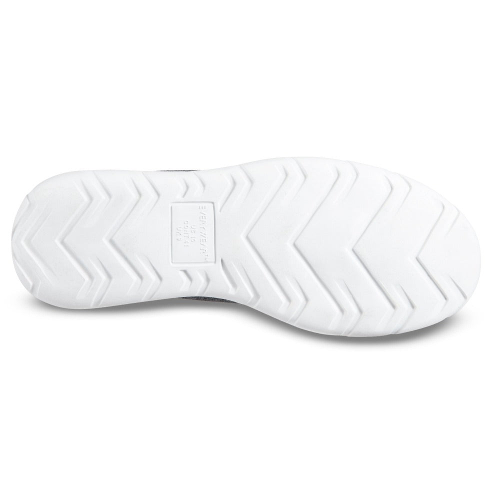 Zenz Men's Transition in Black Bottom Sole Tread
