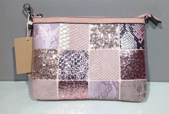 Cartera rosa multipanel