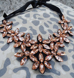 JESSA Bib Necklace (Rosegold)