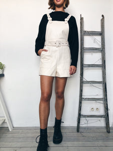 Salopette short simili-cuir