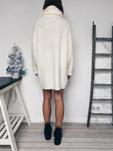 Robe pull blanche
