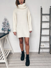 Charger l'image dans la galerie, Robe pull blanche