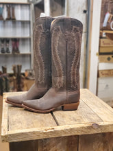 Load image into Gallery viewer, Macie Bean Women's Boots M8050