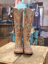 Load image into Gallery viewer, Corral Women's Boots C2672