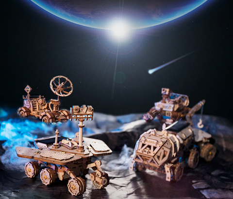 Solar Powered 3D Robo Space Explorer Models