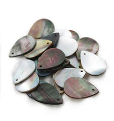 4 Black Lip Natural Shell Charms - BD1114