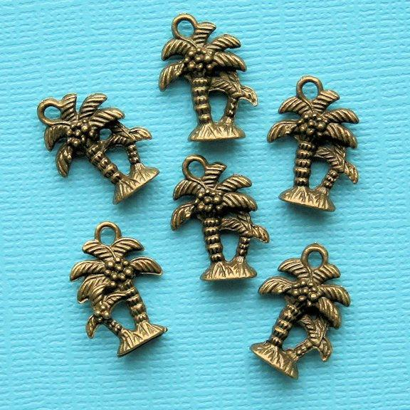 BC922 8 Pig Charms Antique Bronze Tone 2 Sided