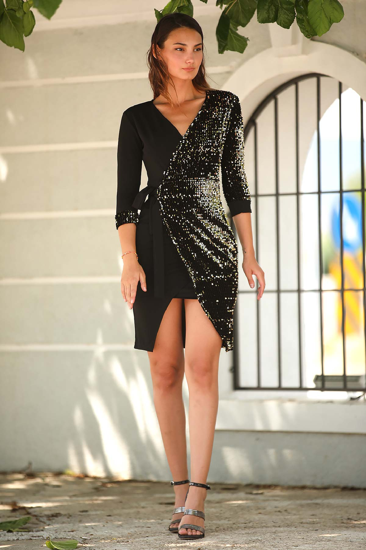 Women's Wrap Collar Sequin Black Short Evening Dress