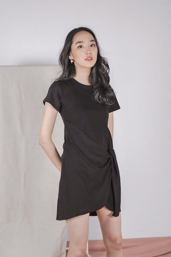 Jael Knotted Nursing Tunic in Black